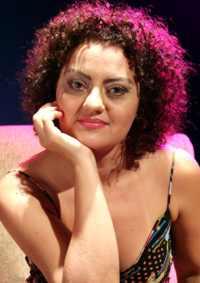 Miriam Samorano canta no Museu da Língua Portuguesa em São Paulo